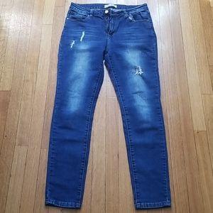 KS more Blue Junior's Distressed Jeans Size 11